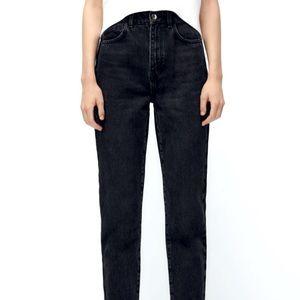 Zara high waist mom fit Jeans in black.